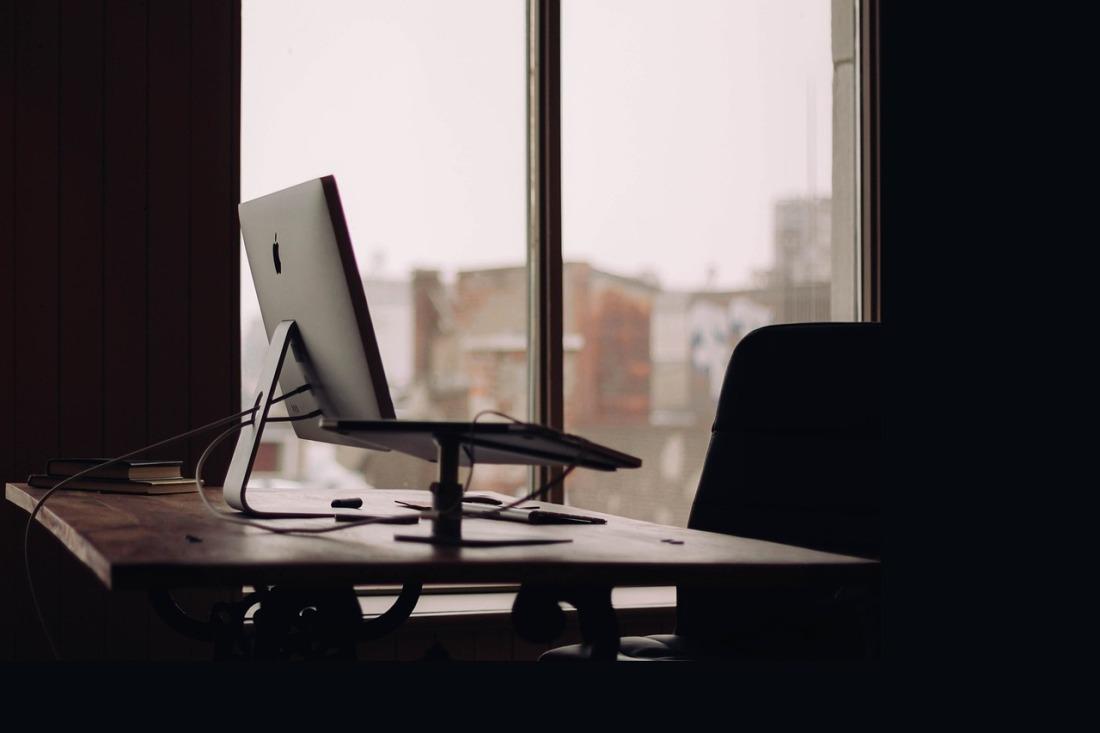 office-691508_1280